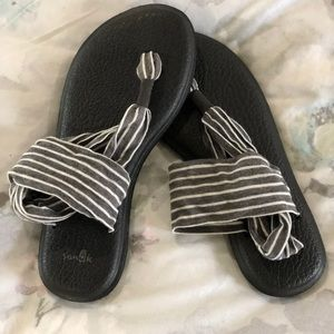 Sanuk Grey/White Striped Sandals NWOT